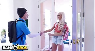 BANGBROS - Petite Canadian Honey Emma Hix Gets Fucked By Juan El Caballo Loco